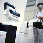 HSRتویوتا، روباتی برای کمک به افراد معلول