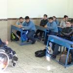 حضور آقای امیر کیا سالاری یکی از معلولین توانمند انجمن ضایعات نخاعی استان تهران  در دبیرستان مهیار  به مناسبت روز جهانی معلولین