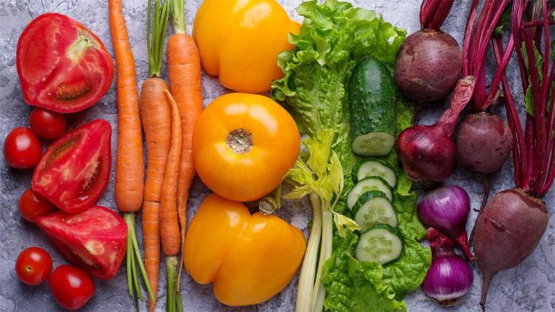 سبزیجات بخورید ، آب بنوشید